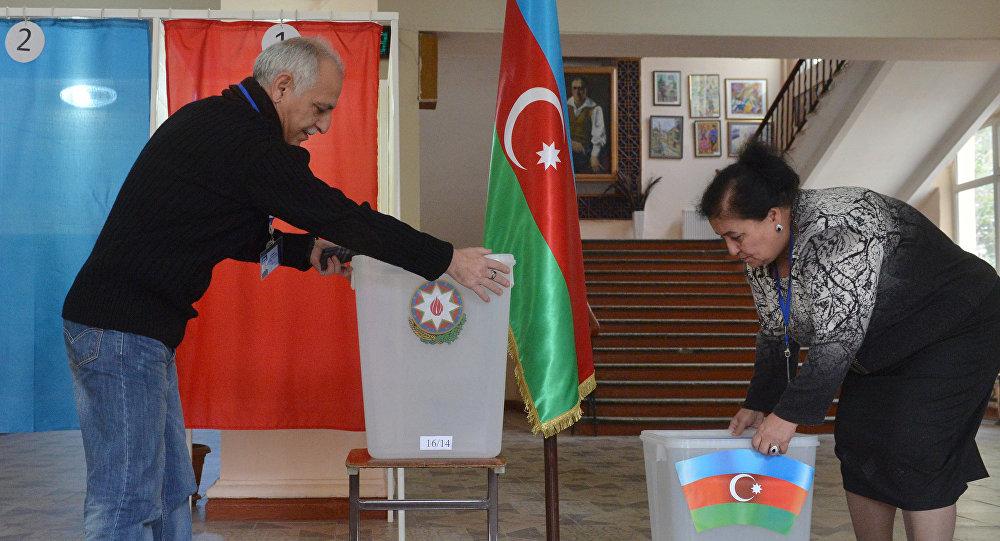 Граждане Азербайджана поддержали нареферендуме увеличение срока президентских полномочий