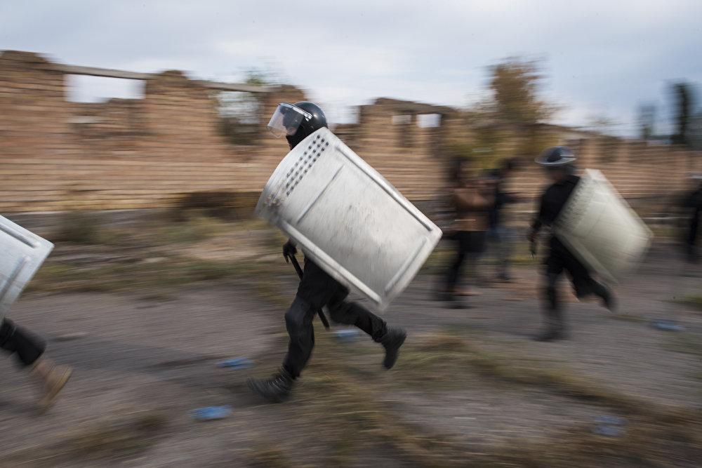 Военные учения сотрудников ГСИН в Бишкеке
