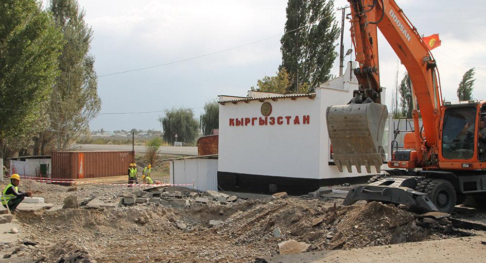 Погранслужба: пункт пропуска «Токмок» награнице сКыргызстаном закрыт
