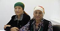 Иш-чаранын катышуучулары Токтокан Чанчарова (Ала-Бука району) менен Бүсара Азимбаева (Чоң Алай району)