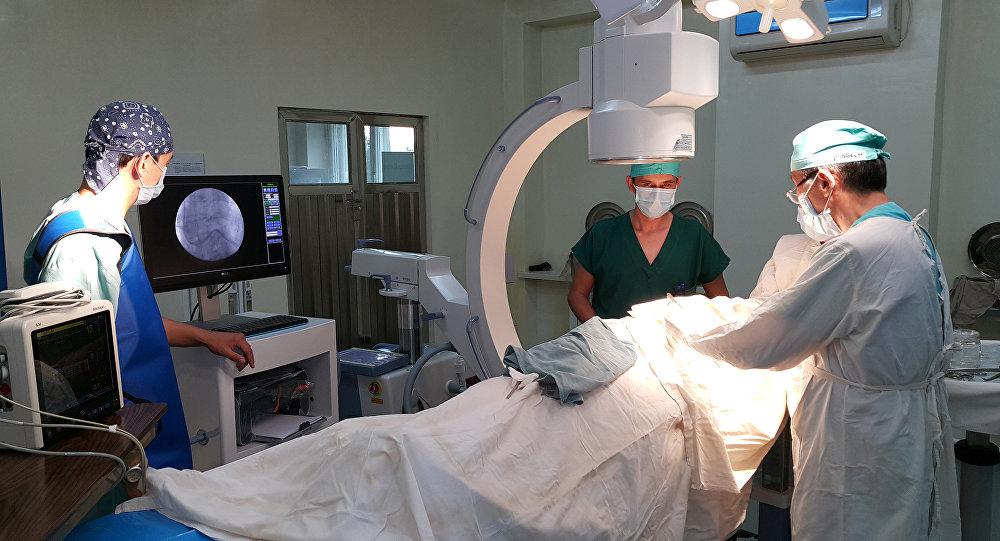 Кыргызстандын башкы кардиохирургу, аритмолог, Түштүк аймактык жүрөк кан тамыр хирургия илимий борборунун жетекчиси Калдарбек Абдраманов