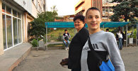 Несмотря на гниющие кости, Адылжан из Бишкека ходит в колледж