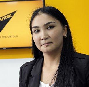 Архивное фото сотрудника пресс-службы Государственной службы миграции Кыргызстана Айсулуу Исабек кызы