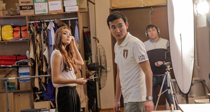 Айгерим Назар на съемках сериала Камень, ножницы, бумага в Бишкеке