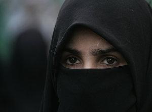 Архивное фото мусульманки в парандже
