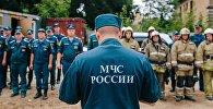 Архивное фото сотрудников МЧС России, началом соревнований