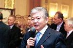 Архивное фото бывшего министра иностранных дел Кыргызстана, доктора политических наук Аликбека Джекшенкулова