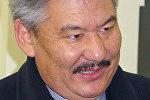 Экс-баш прокурор Азимбек Бекназаровдун архивдик сүрөтү