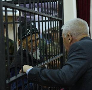 Обвиняемый в разжигании межэтнического конфликта на юге Кыргызстана в 2010 году Азимжан Аскаров в Чуйском областном суде