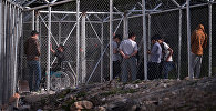 Беженцы из стран ближнего востока на границе с Турцией. Архивное фото