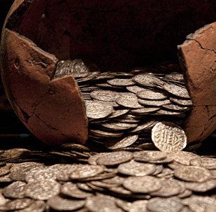 Эски монеталар. Архивдик сүрөт
