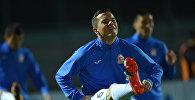 Футболист сборной Кыргызстана Виктор Майер во время тренировок