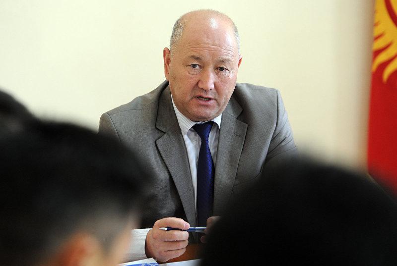 Вице-премьер Кыргызстана Жениш Разаков на совещании по вопросу обеспечения общественного порядка и безопасности граждан в стране