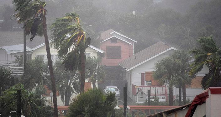 ВСША из-за приближения урагана «Мэтью» отменили неменее 1,5 тыс. рейсов