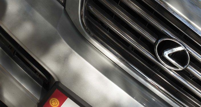 Логотип автомобоильной марки Lexus. Архивное фото