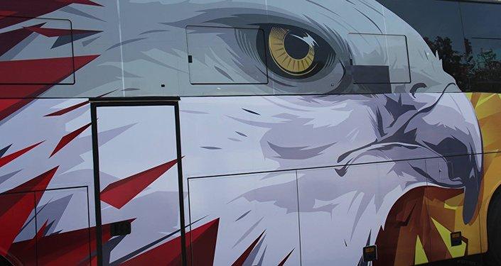 Футбол федерациясы улуттук курама командасынын жаңы жасалгаланган автобусун сунуштады