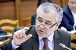 Жогорку Кеңештеги Ата Мекен фракциясынын лидери Өмүрбек Текебаевдин архивдик сүрөтү