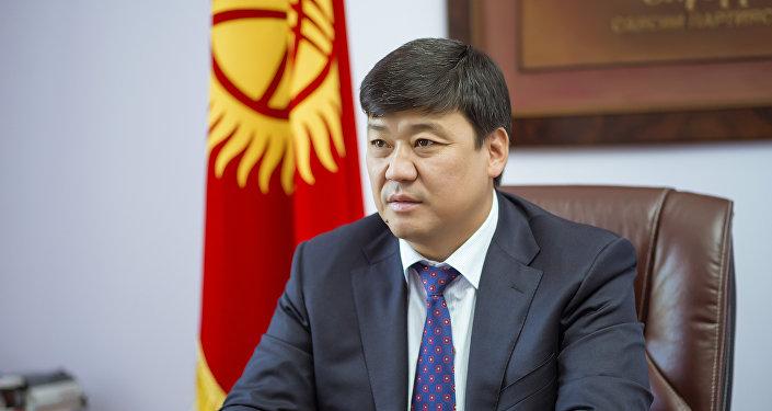 Архивное фото лидера фракции Онугуу — Прогресс Бакыта Торобаева