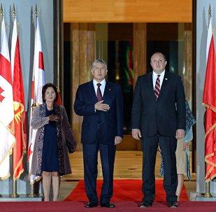 Президент Алмазбек Атамбаев прибыл с официальным визитом в Грузию