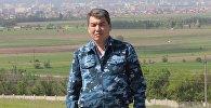 Ички иштер министрлигинин маалымат кызматынын өкүлү Эрнис Осмонбаевдин архивдик сүрөтү