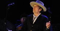 Американский поэт и исполнитель Боб Дилан