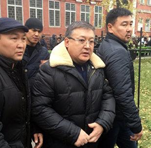 Бывший спикер парламента Кыргызстана Ахматбек Келдибеков после суда