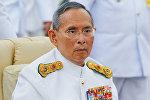 Архивное фото короля Таиланда Пумипона Адульядета