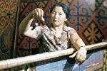 Адис сүрөткер, Кыргыз эл сүрөтчүсү, акын Шакен Мамбетаипованын архивдик сүрөтү