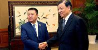 Спикер Жогорку Кенеша Чыныбай Турсунбеков на встрече с членом политбюро центрального комитета Коммунистической партии КНР Лю Юньшанем