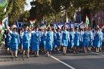 Жители Республики участвуют в праздничной демонстрации в День независимости Таджикистана. Архивное фото