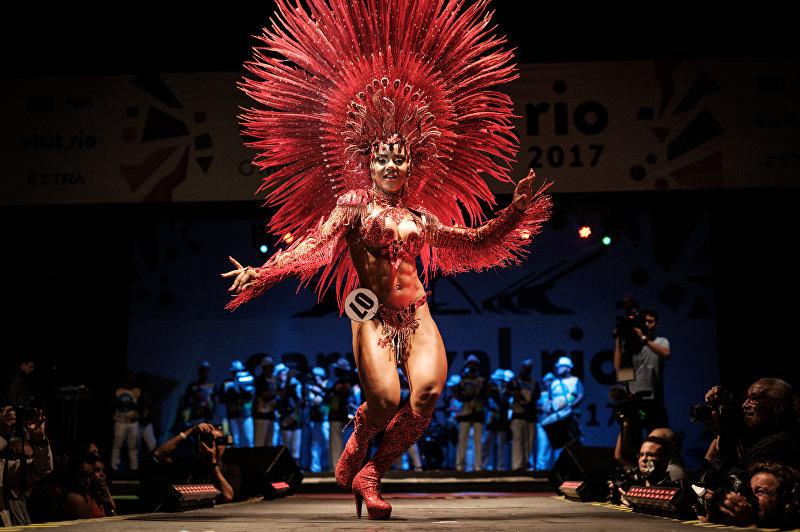 В Рио-де-Жанейро прошел конкурс Carnival's Queen of the Samba 2017, на котором выбрали королеву и короля будущего карнавала