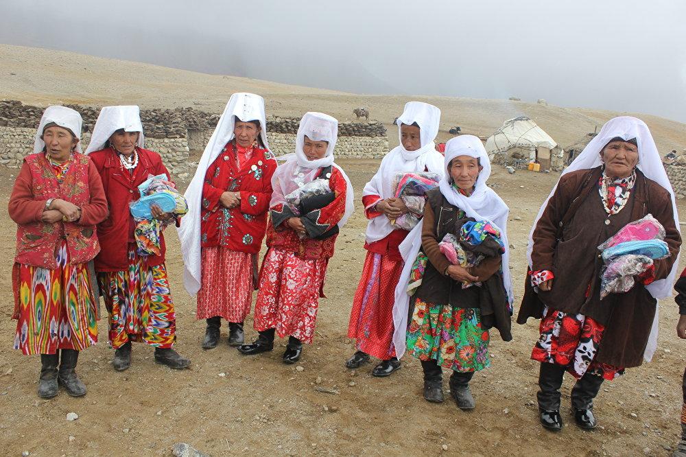 Памирлик кыргыз кыз-келиндер