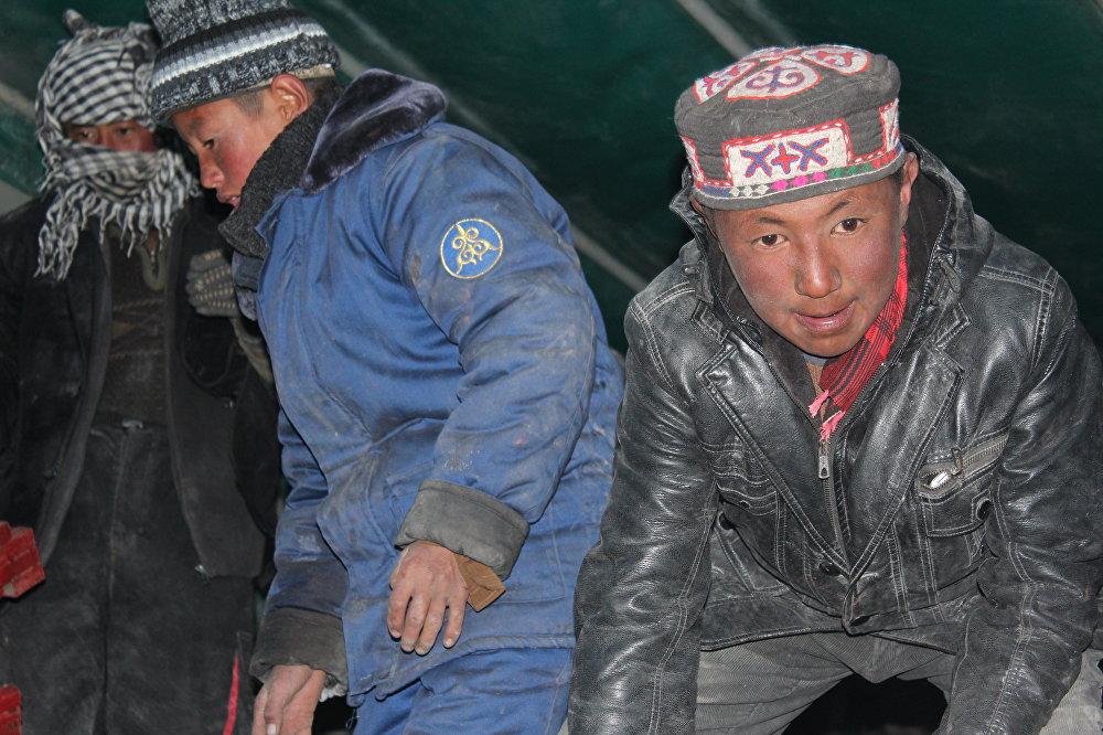 Памирдеги кыргыздарга акыркы жардам 2014-жылы берилген