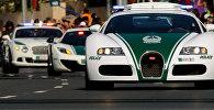 Дубайдагы полиция кызматкерлеринин унаалары. Архивдик сүрөт