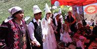 Фестивал катышуучулары. Архивдик сүрөт