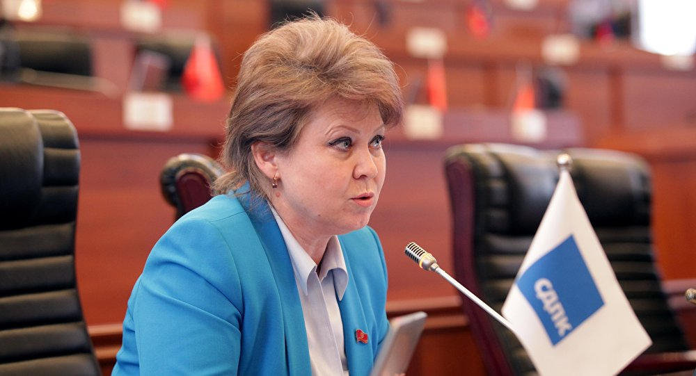 Депутат требует отнять статуса «экс» президента Алмазбека Атамбаева