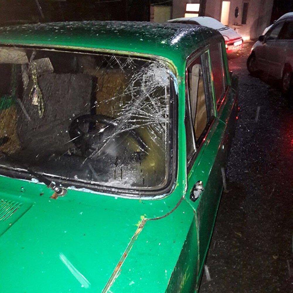 Машина марки Жигули подозреваемого в смертельном наезде на мужчину напротив дома №169 по улице Элебесова