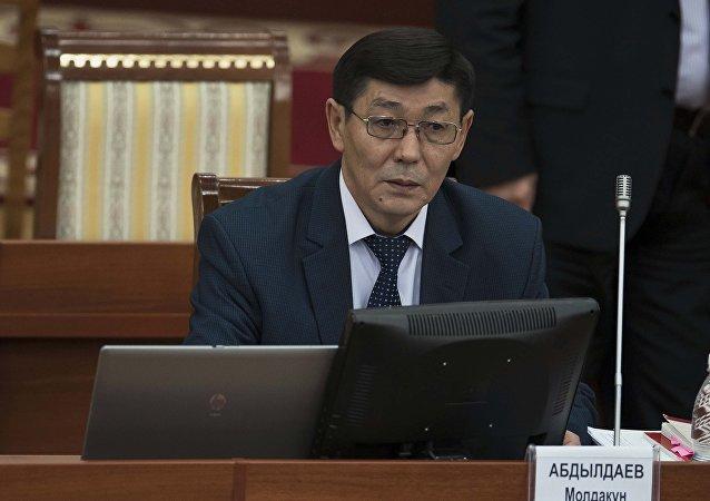 Архивное фото руководителя аппарата полномочного представительства правительства в Чуйской области Молдакуна Абдылдаева