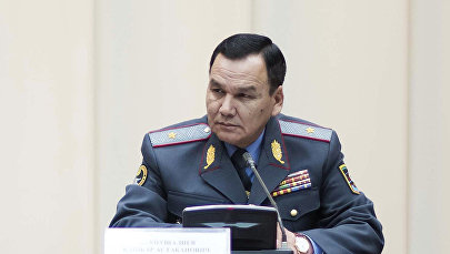 Ички иштер министри Кашкар Жунушалиев. Архив
