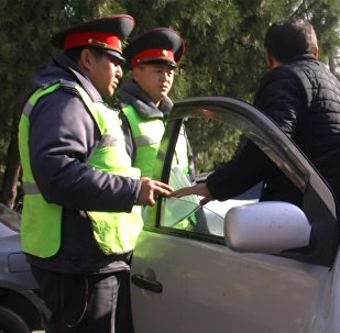 Тез жардамга Бишкектин айдоочулары жол бошотобу