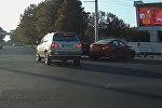 Снимок с Youtube канала пользователя Bolot Ibragimov. ДТП с участием внедорожника Mercedes-Benz и Hyundai.