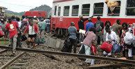 Пассажиру у поезда который потерпел крушение в Камеруне