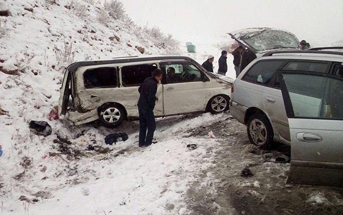 Бишкек — Ош жолунун 233-чакырымында (Чычкан капчыгайында) жол кырсыгы болду