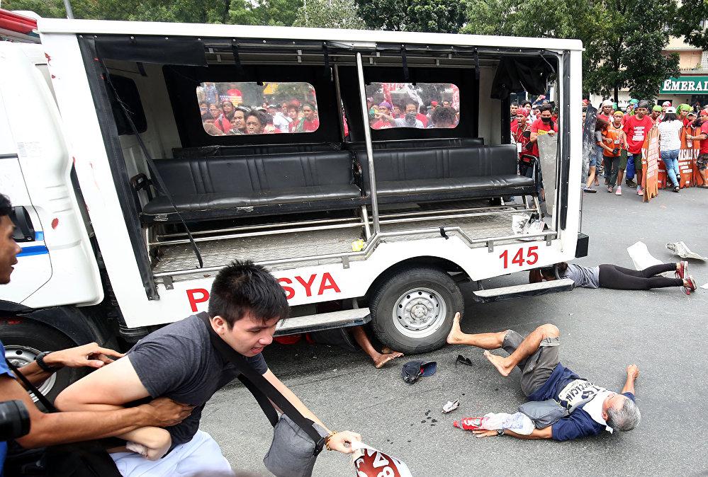 Демонстрация у посольства США в Маниле