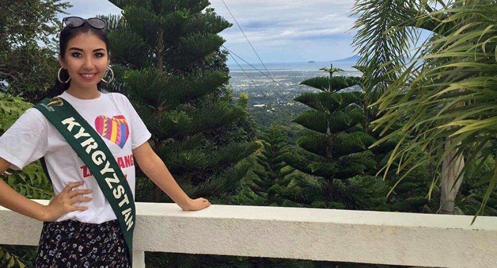 Участница одного из самых популярных конкурсов красоты Мисс Земля 19-летняя студентка из Кыргызстана Бегим Алмасбекова в столице Филиппин, Маниле