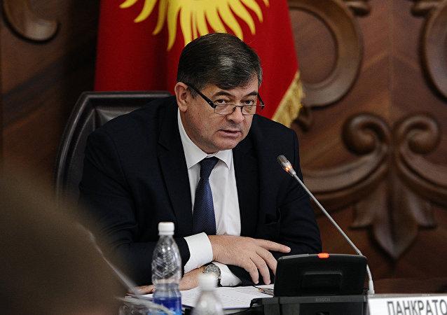 Архивное фото исполняющего обязанности вице-премьера КР Олега Панкратова