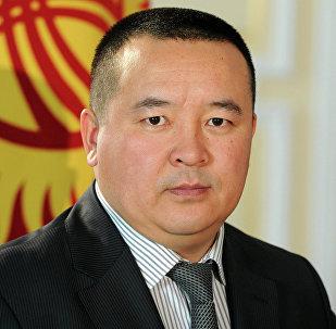 Президенттин кеңешчиси Икрамжан Илмияновдун архивдик сүрөтү