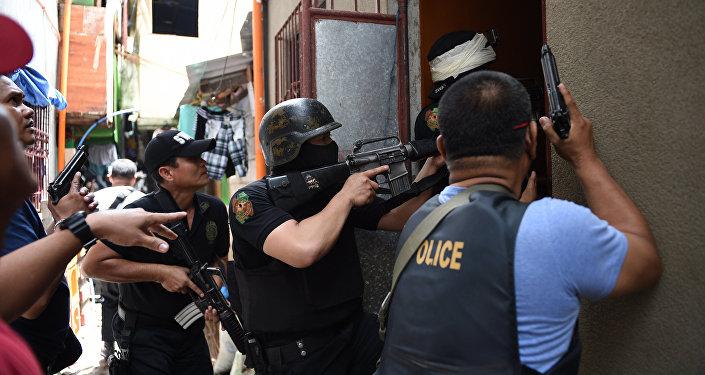 Филиппин полиция кызматкерлери. Архивдик сүрөт