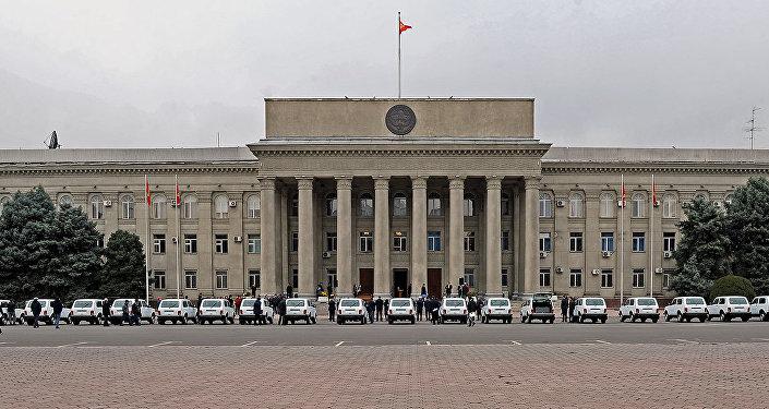Передача 20 компактных инкассаторских автомашин марки  госпредприятию Кыргызпочтасы