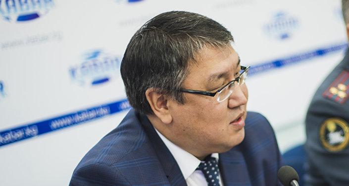 Директор первого политического департамента МИД КР Айбек Молдогазиев на пресс-конференции